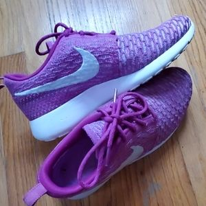 Nike Womans Running Sneakers